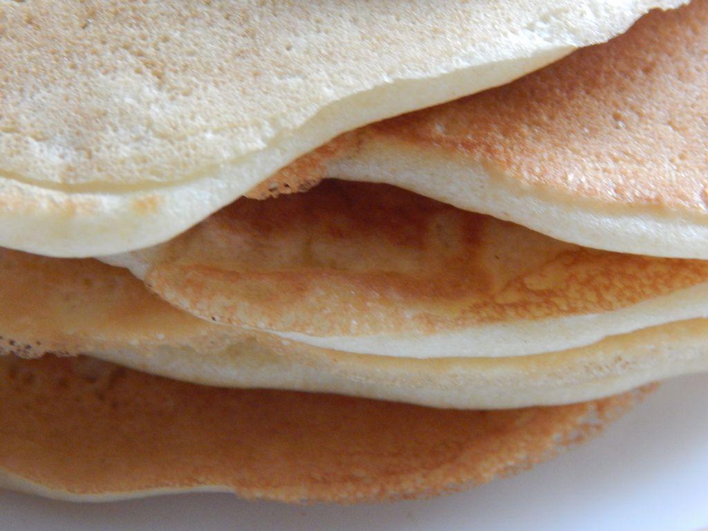 keepcaclmcarryon- american pancakes (7)